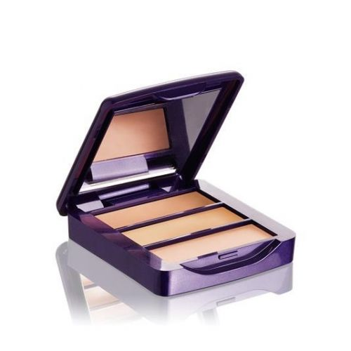 The ONE Concealer Kit Compact all-in-one kit